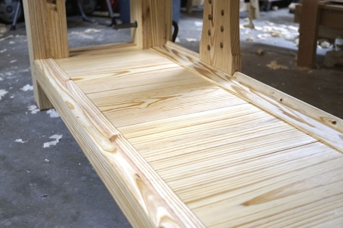 Roubo Workbench Shelf